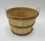 1/2 Bushel Basket w/ wire handles